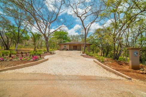 Gated community home (22)