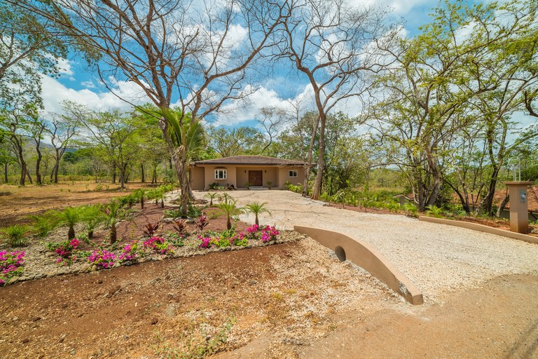 Gated community home (23)