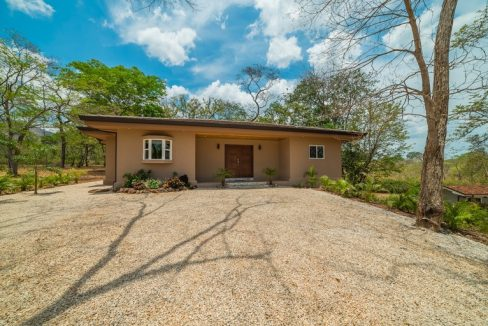 Gated community home (25)