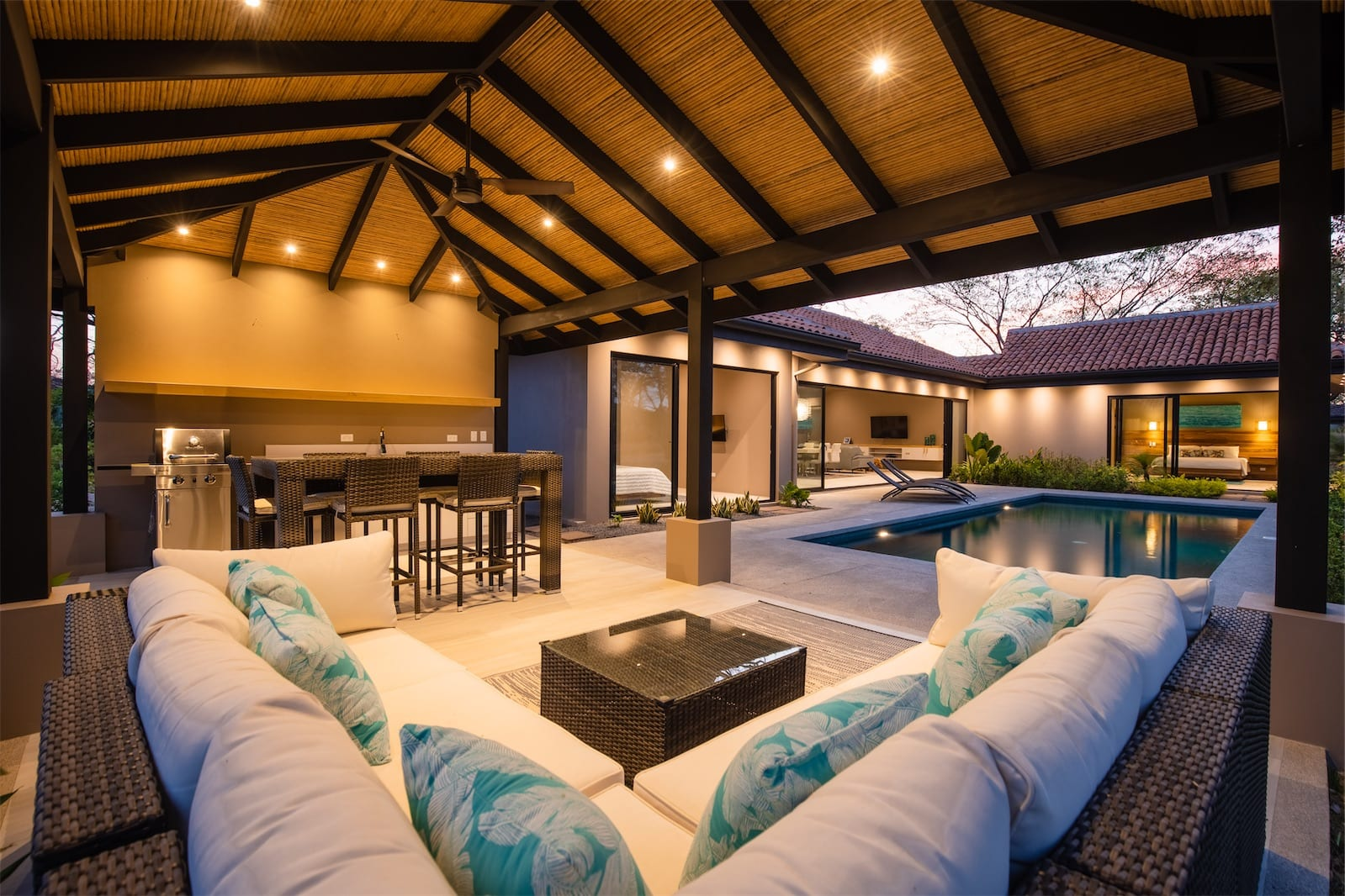 LUXURIOUS 5BED RESIDENCE IN GATED COMMUNITY $785,000